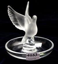 A LALIQUE DOVE RING DISH