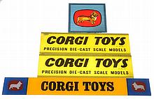 4 X GLASS CORGI DISPLAY SIGNS (G) (4)