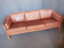 MOGENS HANSEN (DANISH, BORN 1940) BROWN LEATHER THREE-SEAT SOFA back length 216cm