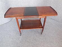 DANISH ROSEWOOD DRINKS TROLLEY ON CASTORS 60 x 100 x 49 extended