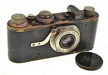 LEICA I NO. 19082 (1929) WITH ELMAR 3.5 LENS, LENS CAP AND ER CASE, FIRST MODEL MARKETED, CONDITION: 6