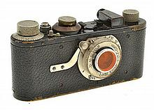 LEICA I NO. 50296 (1930) WITH ELMAR 3.5 LENS AND ER CASE, CONDITION: 5 (CASE SHOWING SIGNS OF WEAR)
