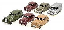 A COLLECTION OF 6 X UNBOXED DINKY CAR MODELS INCLUDING 2 X AUSTIN DEVON; PACKARD; TROJAN TRUCK; BUICK; AND VANGUARD MODELS (6)