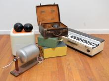A GROUP OF VINTAGE ITEMS INCULDING A LINCOLN CHORDMASTER, SET OF BOWLING BALLS,  PORTABLE RECORD PLAYER, BINGO BARREL AND A VACUUM S...