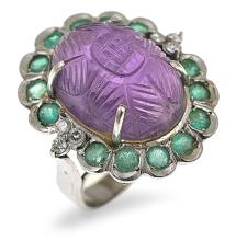 AN AMETHYST, EMERALD AND DIAMOND RING