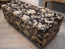 A MODERN DIAMOND BUTTONBACK OTTOMAN UPHOLSTERED IN QUALITY FABRIC