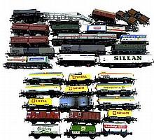 HO Railroad: Fleischmann Train Cars, 30+ Pieces