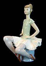 Lladro Porcelain #1360 - Ballet Green No. 5 Gloss