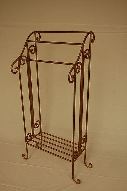 Free Standing Iron towel rack