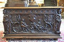 Coffre baroque en noyer (65x110x59)(*)