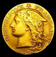 Coins: France Ministere de l'Agriculture 'Exposition Universelle Chevaline et Asine 1900 33mm diamet