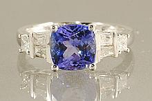 2.88ct TANZANITE & DIAMOND RING