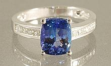 3.01 ct Tanzanite & Diamond RING