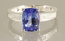 3.01CT TANZANITE & DIAMOND RING