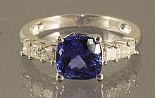 2.90CT TANZANITE & DIAMOND RING