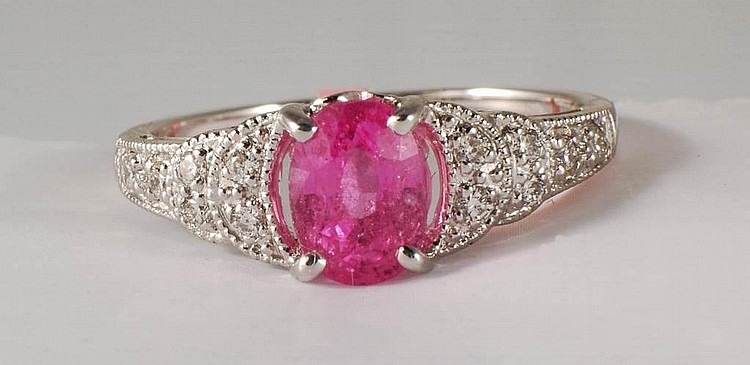 18K 1.85 ct Pink Sapphire and Diamond Ring