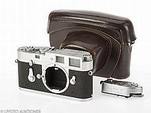 Leica M2 No.1075358