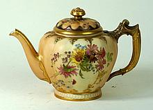 Royal Worcester blush ivory teapot Having hand highlighted floral decoratio