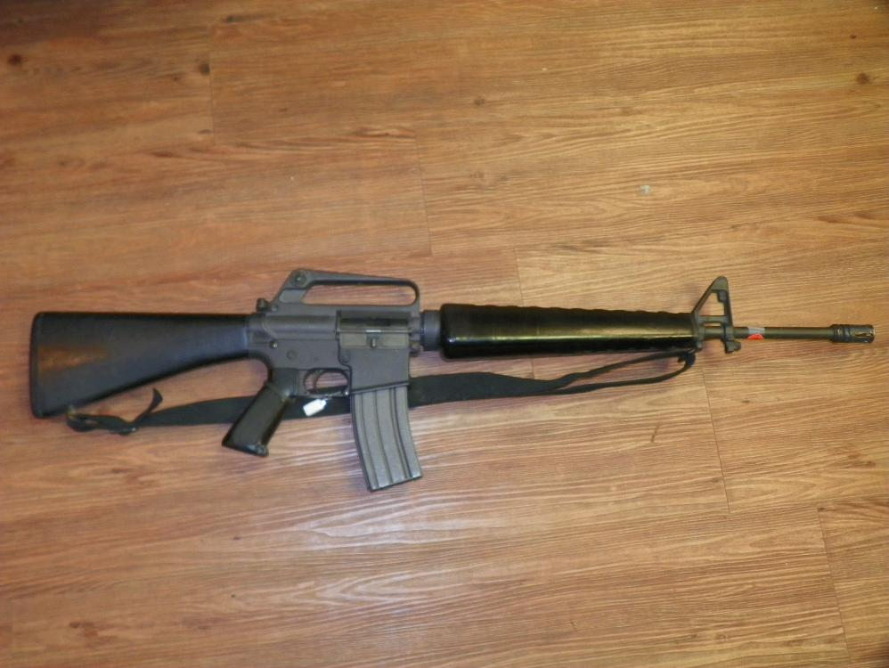 COLT AR 15 - MODEL SP1-223 WITH 30 ROUND CLIP - MILITARY VERSION