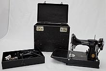 Singer 1945-1952 Featherweight Sewing Machine