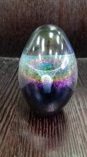 Fantastic Robert Eickholt signed & dated 1988 Glass Egg Paperweight