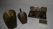 SMALL BRASS & WOOD SCALE, SET OF WEIGHTS & 2 SCOOPS
