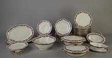Céramique: Service à diner porcel de Limoges (soupière légumier saladier saucière coupelle 2 plats plat à tarte 18 assiettes plates 6 creuses 6 dessert) (38pc)