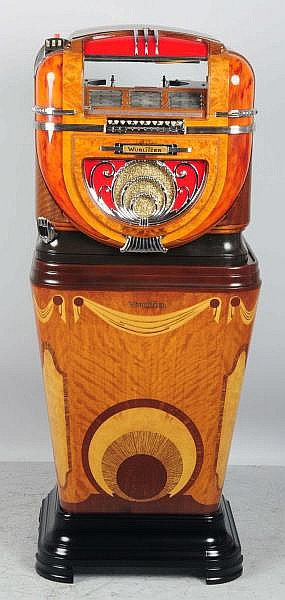 Wurlitzer Model 81 Jukebox.