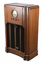 Multi-Band Wooden Console Radio