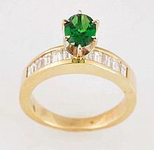 Tsavorite Garnet & Diamond Ring.