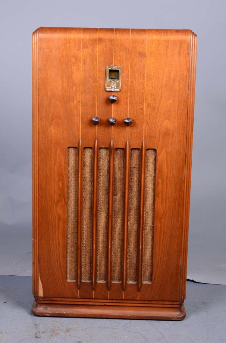General Electric Am Floor Model Console Radio