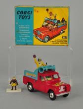 Corgi #487 Chipperfields Circus Land-Rover.
