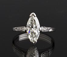 Ladies 1.5 Carat Marquis Diamond & Platinum Ring