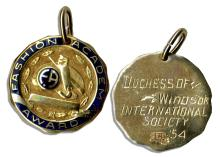 Duchess of Windsor, Wallis Simpson Personally Owned ''Fashion Academy'' Award Medallion -- Inscribed to Verso, ''Duchess of Windsor International Society '54''