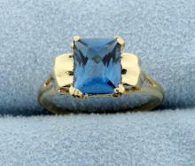 Vintage Blue Zircon 10k Yellow Gold Ring