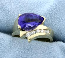 Amethyst and diamond 14k yellow gold ring