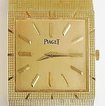 Piaget - An 18ct yellow gold gentleman's wristwatch, manual movement, the s