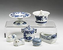 SEVEN CHINESE PORCELAIN BLUE AND WHITE WARES.