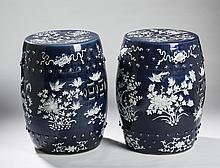 PAIR OF CHINESE BLUE AND WHITE PORCELAIN BARREL-FORM GARDEN SEATS, NINETEENTH CENTURY.