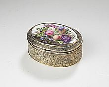 WILLIAM IV SILVER-GILT AND PORCELAIN-MOUNTED OVAL BOX, THE SILVER JOSEPH ANGELL I, LONDON, 1836-37, THE PORCELAIN PROBABLY DERBY.