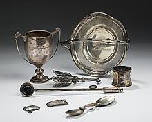 FIVE ENGLISH AND AMERICAN SILVER WARES, NINETEENTH-TWENTIETH CENTURY.