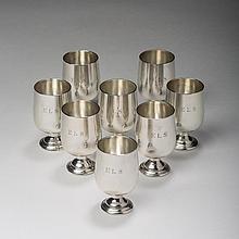 SET OF EIGHT AMERICAN SILVER LIQUOR GLASSES, BALDWIN & MILLER INC., NEWARK, NEW JERSEY, MID-TWENTIETH CENTURY.