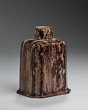 UNUSUAL STAFFORDSHIRE CREAMWARE TORTOISESHELL-GLAZED TEA CADDY, CIRCA 1765.