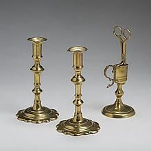 GEORGE III BRASS CANDLE SNUFFER AND STAND, CIRCA 1760.