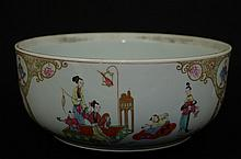 Large Chinese export porcelain flowerpot/planter