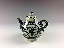 Chinese B/W Poreclain Tea Pot