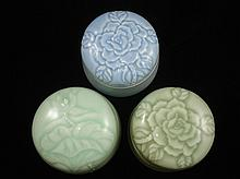 Jeff Lee's 3 pieces of Chinese porcelain boxes