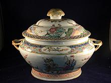 ANTIQUE CHINESE FAMILLE ROSE BOWL WITH LID
