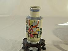 CHINESE ANTIQUE FAMMILLIE ROSE BEAUTY VASE WITH POEM