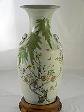 CHINESE ANTIQUE FAMILLE ROSE VASE REPUBLIC